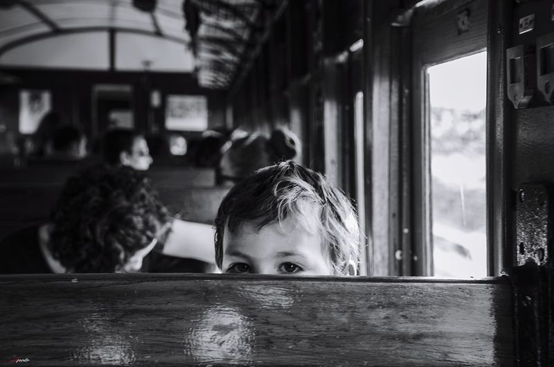 Window Childhood Madrid,spain Madridgrafias Madrid ❤ Taking Photos Madrid Niños Jugando Madrid, Spain Urban Scene Black And White B&w Street Photography