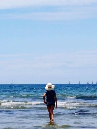 Horizon Over Water Water Sky Outdoors Sea Beach Beach Photography Beach Holiday Beachwalk Walking Around Blue Sky Blue Ocean Ocean Dream Sunny Day Sunnybeach Live For The Story