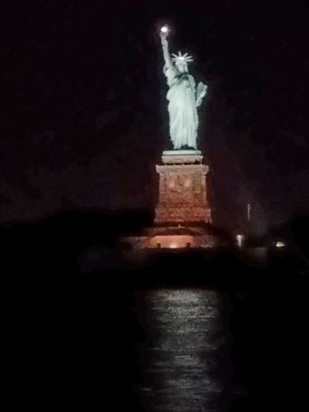PhonePic Statue Travel Destinations Night Travel Tourism Monument Sculpture Water Architecture Illuminated City No People Outdoors Sky Built Structure Close-up Justbecause Wow!!😋 Ynot Patriotism Architecture Wet Fragility Growth