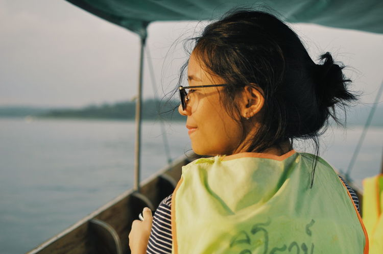 One Woman Only Only Women One Person One Young Woman Only Water Real People Close-up Travel Photography Travel Thailand Travel Destinations Adult Kanchanaburi Sungkhaburi An Eye For Travel