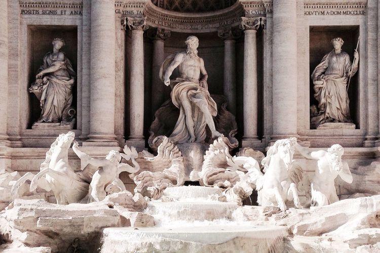 Statues In Trevi Fountain