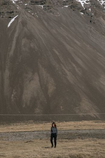 Mountain Range Mountain Iceland One Person Land Lifestyles Nature Landscape Environment Adult Scenics - Nature Real People Beauty In Nature Tranquility Standing