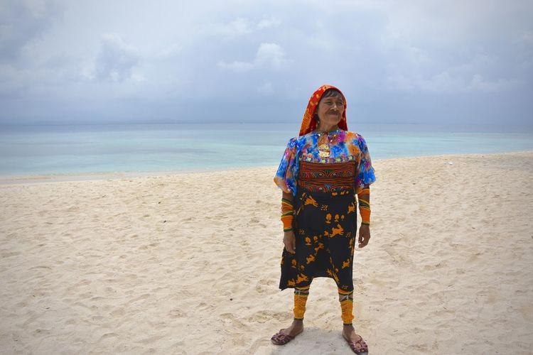 Beach Colors Indigenous  Island Kuna Yala Panamá Portrait Of A Woman The Portraitist - 2016 EyeEm Awards