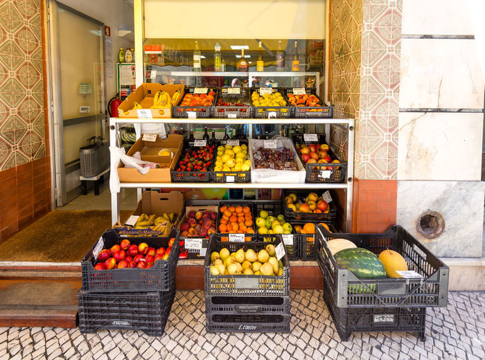 Traditional fruit shop in the streets of Aveiro, Portugal Aveiro Aveiro, Portugal Freshness Portugal Choice Food Food And Drink Freshness Fruit Fruit Shop Fruits Healthy Healthy Eating Indoors  Market No People Portrait Selling Shop Store Variation Vegetable