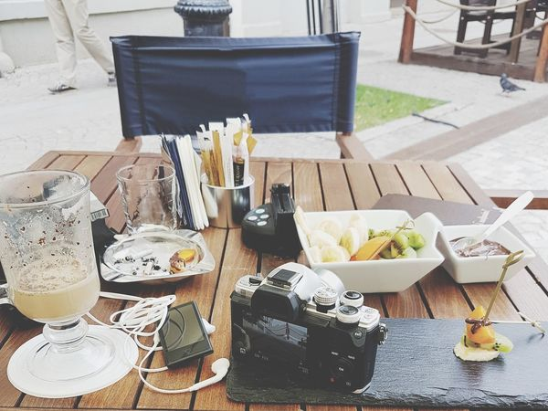 Table Chair High Angle View Food And Drink Plate Food Camera - Photographic Equipment Relaxing Summer Fruits Chocolate Coffe EyeEmNewHere PhonePhotography Metime Outinthecity Spontaneous Moments Sommergefühle Headphones Breathing Space Mix Yourself A Good Time Paint The Town Yellow Be. Ready. Food Stories