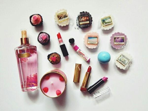 hrtp://iamallexandra.blogspot.com Cosmetics EOS Lipstick Yankee Candle Victoria's Secret Home Home Sweet Home Candy Cupcakes Beauty