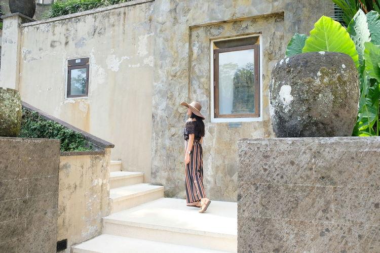 ubud life Ubud, Bali Balinesegirl Ubud Village EyeEm Selects EyeEm Best Shots EyeEm Selects EyeEm Gallery Eyeembali Window Architecture Built Structure Stairs Stairway Steps Staircase Railing Door Residential Structure Autumn Mood