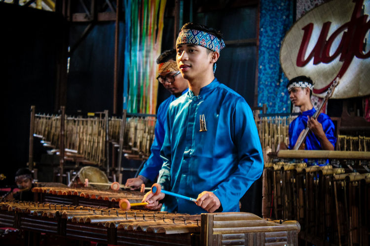Musician Traditional Adult Day Indoors  Instrument Maker Mature Adult One Person Only Men People Real People Standing
