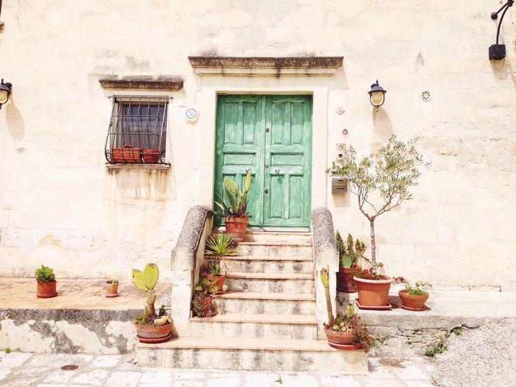 La vecchia città. The old city: Matera Basilicata, Italy  Italia Italy❤️ Urbanphotography Urban Photography Streetphotography Authentic Moments Minimalism Photography Color Photography