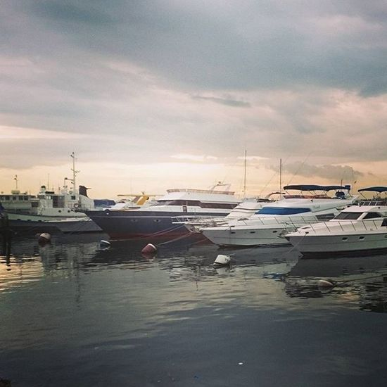 Sunset sa may PICC. Boats Yatch Sea And Sky Feel The Journey
