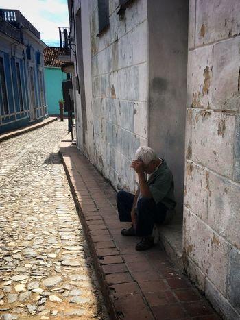 Pensando en el mañana Outdoors Lifestyles Men Adult Real People People One Man Only