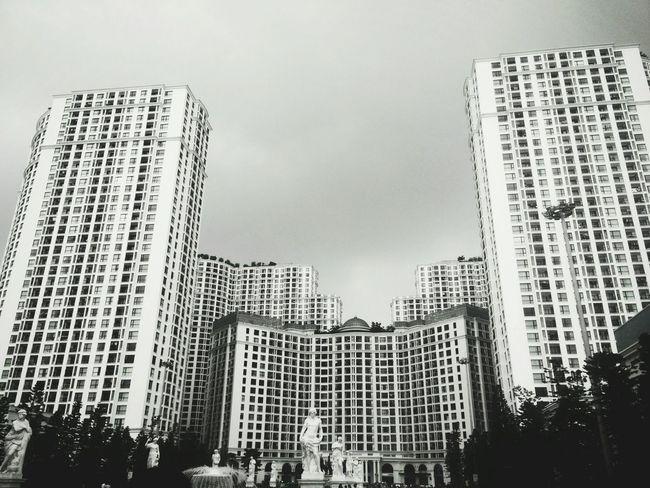 Royal City ☁☁☁💧💧💧