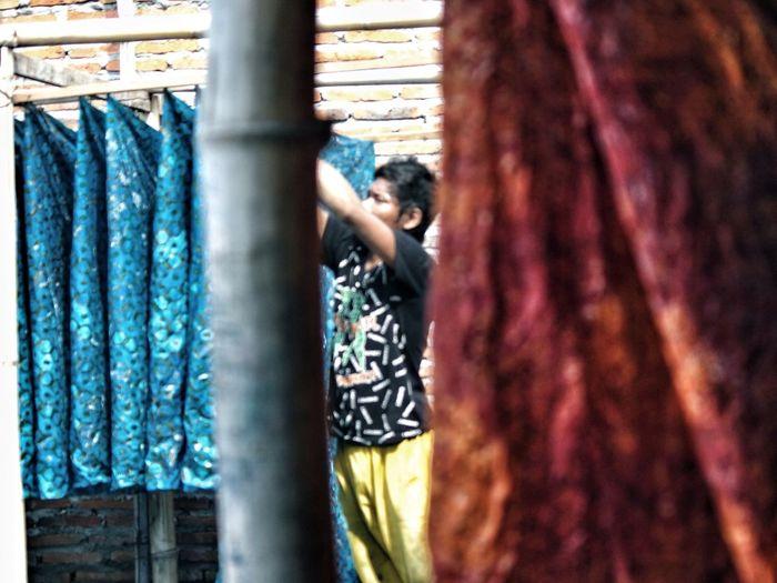 Menjemur batik.. Part II