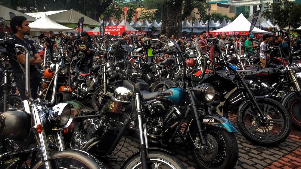 K u a l a L u m p u r B i k e W e e k 2 0 1 6 IPhoneography Iphonephotography Eye4photography  From My Point Of View Malephotographerofthemonth EyeEm Best Shots EyeEm Best Edits Large Group Of People Motorcycle Mode Of Transport Kuala Lumpur Bike Week 2016