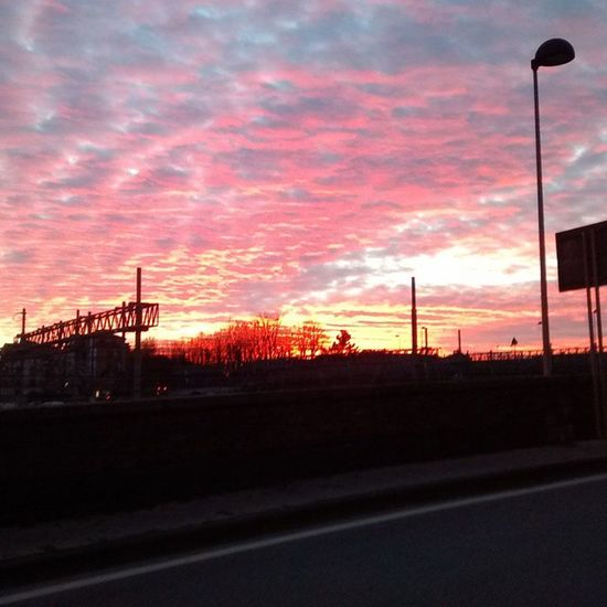 Tramonto sulla Passerella Igerspisa Ig_pisa sangiusto sunset red Pisa nofilter