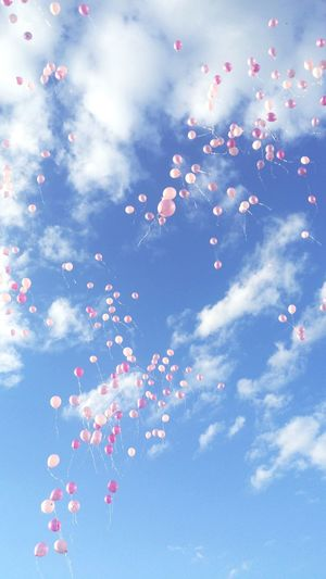 Balloons Balloons In The Sky Pink Pinkballoons Bluesky Sky Summer Maine Beauty Livelifepink Cloud - Sky Outdoors No People Low Angle View Flying Love Gorgeous Photography Amazing Pretty Bangor Kdc WOW 2017 Photography In Motion