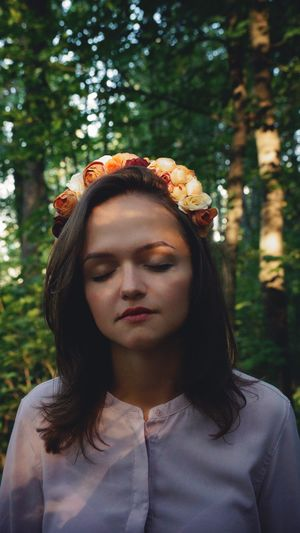 The end of summer Flovers Forest Evening Sunset Headshot Young Adult Tree Plant Women Nature Outdoors Real People Young Women Day