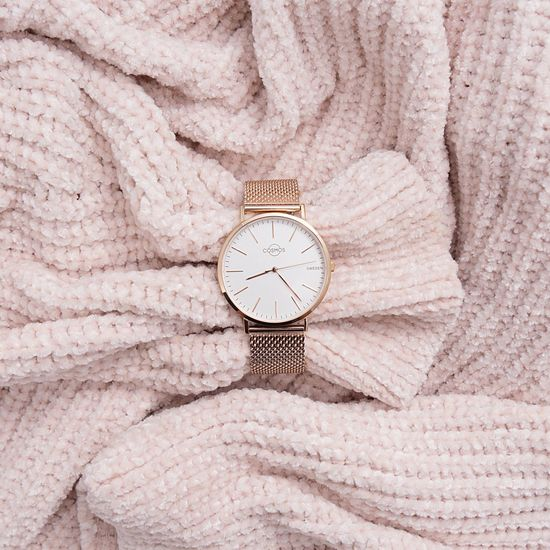 All rosé outfit is not complete without a Cosmos Sweden watch Mars Time Close-up No People Textile Clock Stainless Steel  Luxury Watches Fashion Sweden Luxury Sapphirecrystal Photography Minimalism Rose Gold EyeEm Selects