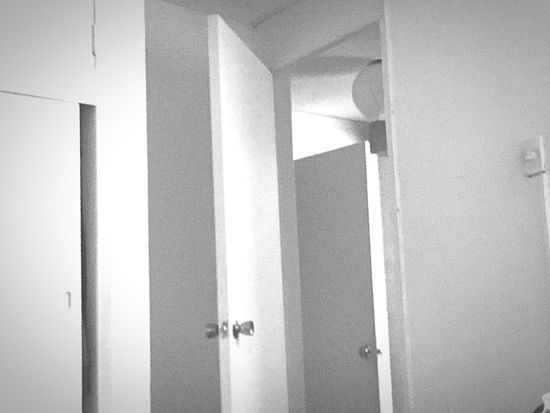 Doors Monochrome Black & White Noir Et Blanc