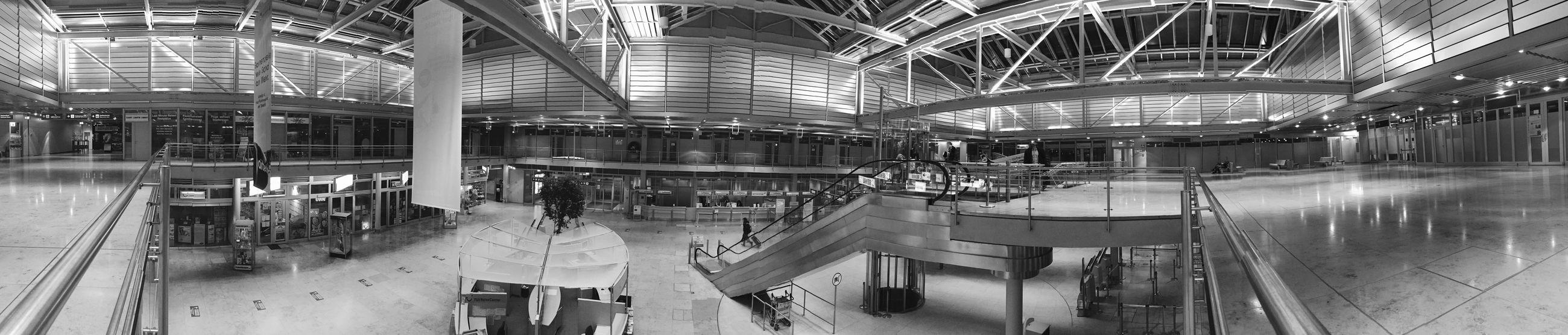 Architecture 180° Panorama Blackandwhite Airport