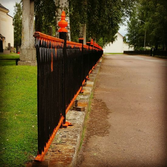 Orange Is The New Black Church Taking Photos Orange Black Fence Stora Tuna