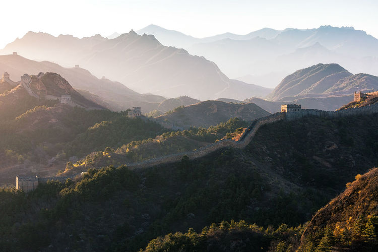 Great wall of china on mountain range