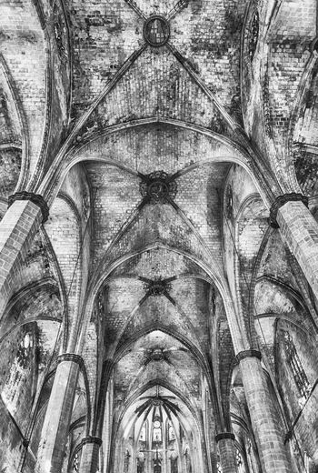 BARCELONA - AUGUST 10: Interior of the gothic church of Santa Maria del Mar in the Ribera district of Barcelona, Catalonia, Spain, on August 10, 2017 Religion Place Of Worship Architecture Belief History The Past Spirituality Built Structure Low Angle View Ceiling No People Indoors  Old Arch Building Backgrounds Pattern Gothic Style Ornate Architecture And Art