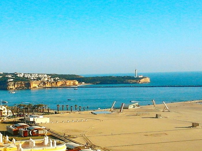 Zona desportiva na Praia da Rocha... Hanging Out Check This Out Relaxing Enjoying Life Natureza Local Portimao Praia Da Rocha Landscape