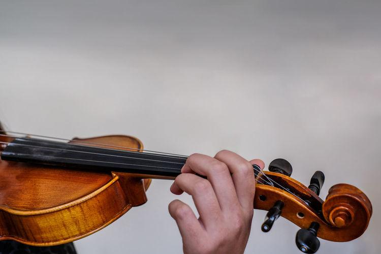 violin Keman Conservatory Backgrounds Clean Fujifilm Fujifilm_xseries Human Hand Classical Music Musician Plucking An Instrument Guitar Violinist Musical Instrument String Classical Concert Musical Instrument Acoustic Music Moments Of Happiness