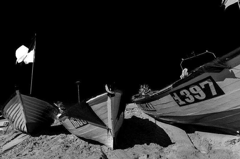 barcas en la noche Barcas Bote Noche Boat Playa Beach Beachphotography Chile Agua Mar Sea Water
