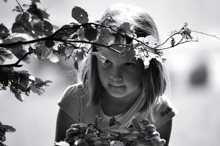 Tree Portrait Beauty Beautiful People One Person Outdoors People Girlportrait Hide And Seek Black And White Photography Monochrome Photograhy Portrait Of A Girl Portrait Photography Blackandwhite Black & White Monochrome Photography Monochrome Collection Monochrome _ Collection Monochromeart Capture The Moment Black And White Girl Portrait Girl Real People