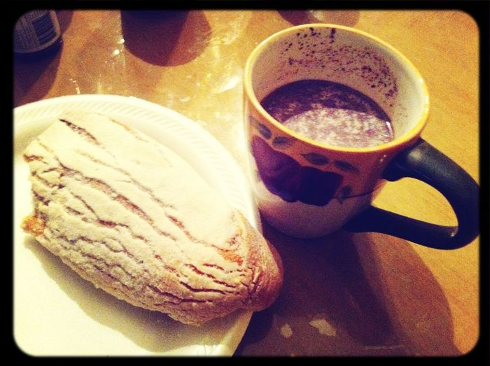 Hot chocolate and bread <3 perfect for this weather