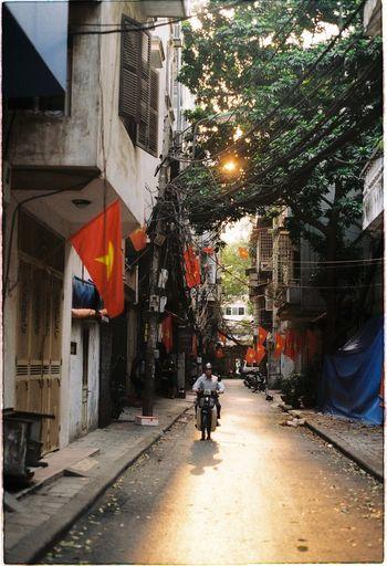 Hanoi alley in