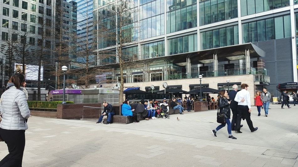 Canada Square Canary Wharf London People Business Landscape Buildings Lunchtime Rush