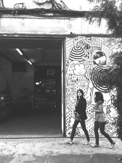 Walk on by Graffiti Art Walking On The Street Saturday Afternoon Lisbonlovers Lisboa Portugal Lx Factory Architecture Shopping ♡ Great Atmosphere Streetphoto_bw Black & White