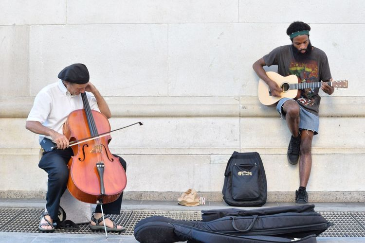 Cello Captured Moment Share The Love My View NYC Photography Outdoor Photography Nikonphotography Enjoying Time Enjoying The Sights Enjoying The Moment Enjoying The View Places I've Been Enjoying Life Great Outdoors Great View Nikond3300 Nikon D3300 Capture The Moment Park Washingtonsquarepark Washington Square Park Music Musician Playing Music Playing Music Outside