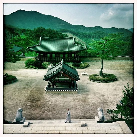 Seokjonsa Courtyard #korea #chungju #namsan_mountain #travel #cycling #seokjonsa_temple #hipstamatic #johns #blanko #snapseed Hipstamatic Cycling Travel Korea Snapseed Johns Blanko Chungju Seokjonsa_temple Namsan_mountain