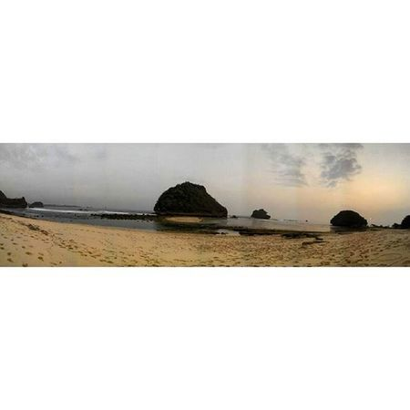 Indonesia itu Indah !!! Pantaigoacina Malang INDONESIA Lenovotography Photooftheday Pocketphotography Photostory Lzybstrd