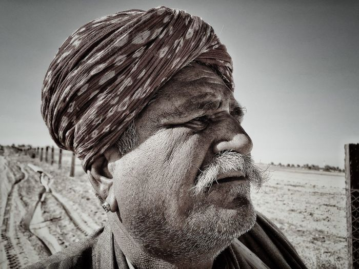 Looking Far NotYourCliche Shot On IPhone Old Man Portrait Old Man IPhone Photography Iphonephotography Iphoneonly IPhoneography IPhone IMography Headshot One Person Portrait Real People Land Nature This Is Aging Close-up Sky Day Sunlight Leisure Activity The Portraitist - 2018 EyeEm Awards