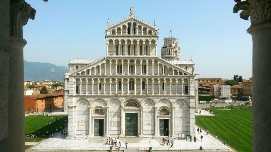 Pisa - Italy Leaning Tower Pisa Pisa Tower Tower Architecture White Bricks White Brick Sunlight Sunshine Summer The Architect - 2017 EyeEm Awards