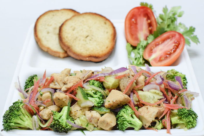 InMakin! Food Photography Ready-to-eat Colourful Chicken Meat Salad Brocolli Tomato Bread Selective Focus Freshness Perspective Food And Drink Cooking At Home EyeEm Selects Randomness