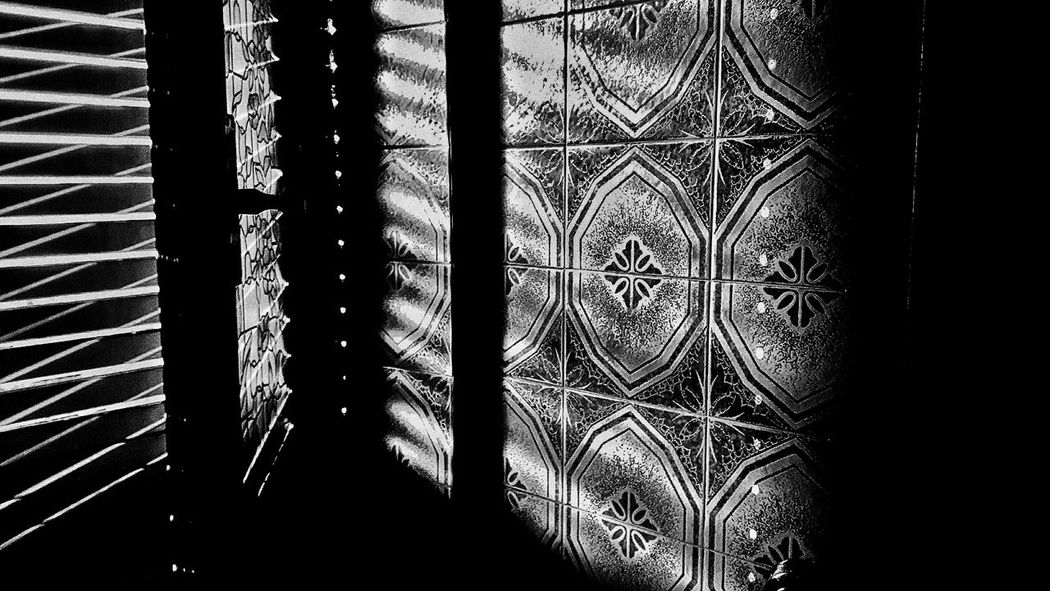 Window reflection Light And Shadow Shades Of Grey Eyeem Photography Eyeem Photo Color Eyeem Best Shots Eyeem Gallery Architecture Architecture Details Architecture_collection Architecture Interior Design Creative Light And Shadow Shades Of Grey Black And White Photography Monocrome Reflection_collection