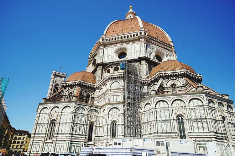 Duomo Religion Travel Destinations Architecture Dome Place Of Worship Clear Sky Politics And Government History Day Building Exterior Outdoors Sky No People Duomo Santa Maria Del Fiore Duomo Di Firenze Florencia Florence Italy Cityscape Travel Tourism Street Architecture Vacations