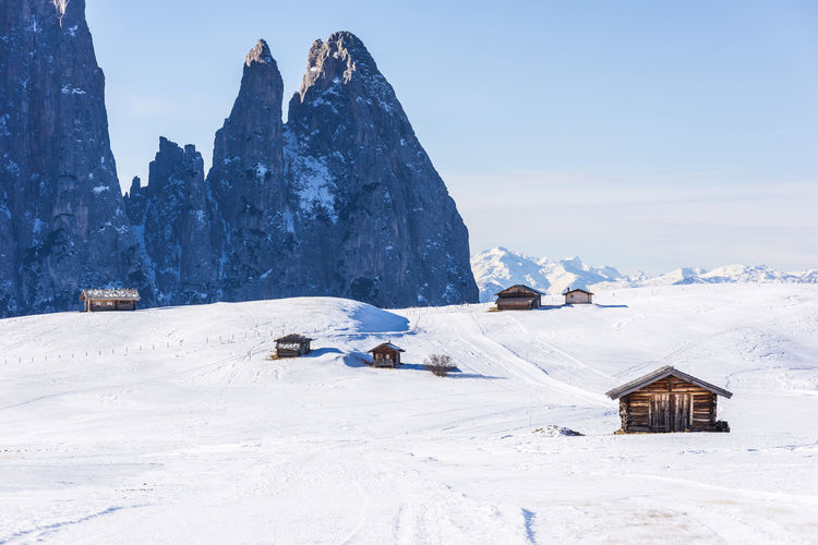 Dream huts on the Alpe di Siusi. In the white. Dolomites, Italy Cold Temperature Snow Winter Scenics - Nature Nature Huts Huts And Sky Dolomites Dolomites, Italy Dolomites South Tyrol Südtirol Italy Winter Winter Wonderland Winter Sport Landscape Landscape Of Italy Landscape Photography Snowcapped Mountain Snow Covered Alps Alps Italy Mountain Mountain View Alpe Di Siusi Beauty In Nature Val Gardena Tranquil Scene Tranquil Scene Outdoors House Cold Winter ❄⛄ Wintersport View Nobody Sassopiatto Outdoors Outdoors Photograpghy  Outdoors, Outside, Open-air, Air, Fresh, Fresh Air, Sky Sky And Clouds Alpine Alpine Landscape Alpine Hiking Chalet Seiser Alm Sassolungo Dolomiti Dolomiti Italy Dolomiti UNESCO Eritage Nature Nature Photography