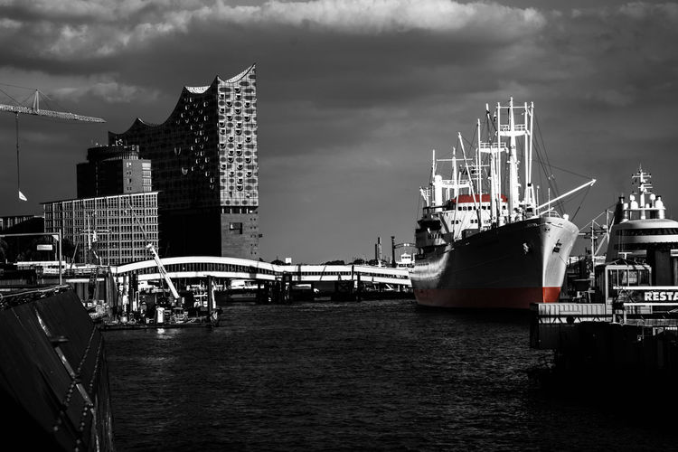 Hamburg Harbor by www.eightTWOeightSIX.de Nautical Vessel Architecture Building Exterior Transportation Built Structure Water Waterfront City Sky Boat Cloud Ship Skyscraper Harbor Buildings Black & White Black And White Blackandwhite Germany Hamburg Harbor Hamburgcity Hamburg Landungsbrücken  Urban Skyline Urban Landscape Welcome To Black Black And White Friday Mobility In Mega Cities Adventures In The City