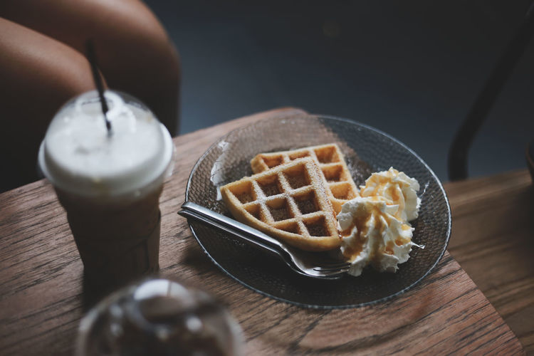Coffee Coffee Shop Human Hand Plate Dessert Homemade Table Bowl Close-up Sweet Food Food And Drink Brown Sugar Cheesecake Waffle Strawberry Ice Cream Chocolate Sauce Ice Cream