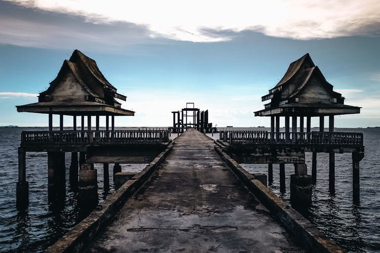 Architecture Built Structure Cloud - Sky Horizon Over Water Outdoors Sea Sky Water