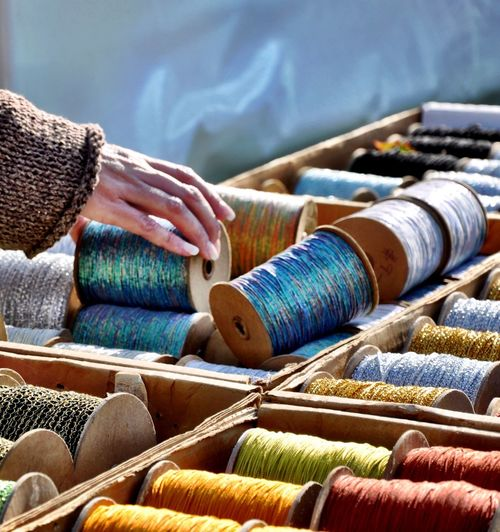 Wait 'til you get a load of me … ThreadSpool 🕸 Textile Thread Art And Craft Large Group Of Objects Multi Colored Spool Industry Variation Textile Industry Choice Day Abundance Sewing Item Stack Arrangement In A Row Close-up Still Life The Still Life Photographer - 2018 EyeEm Awards The Street Photographer - 2018 EyeEm Awards The Creative - 2018 EyeEm Awards A New Beginning