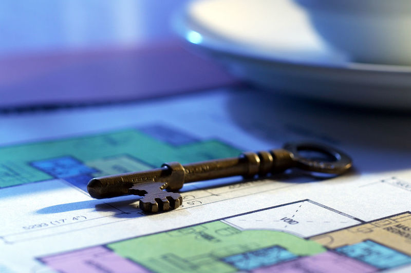 key on the house floor plan Antique Houses Retro Advertisement Business Buy Close-up Floor Plan Focus On Foreground House Investment Key Metal No People Object Old Paper Planning Property Real Estate Rental Selective Focus Sell Still Life Wheathered