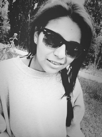 Balck And White Popular Photos In The Garden Sunglasses